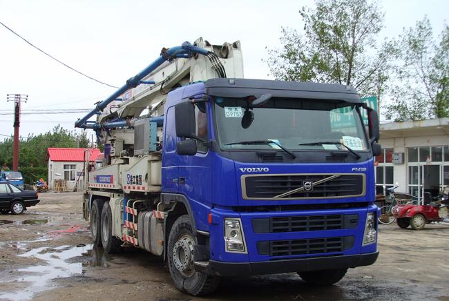 水泥混凝土泵车